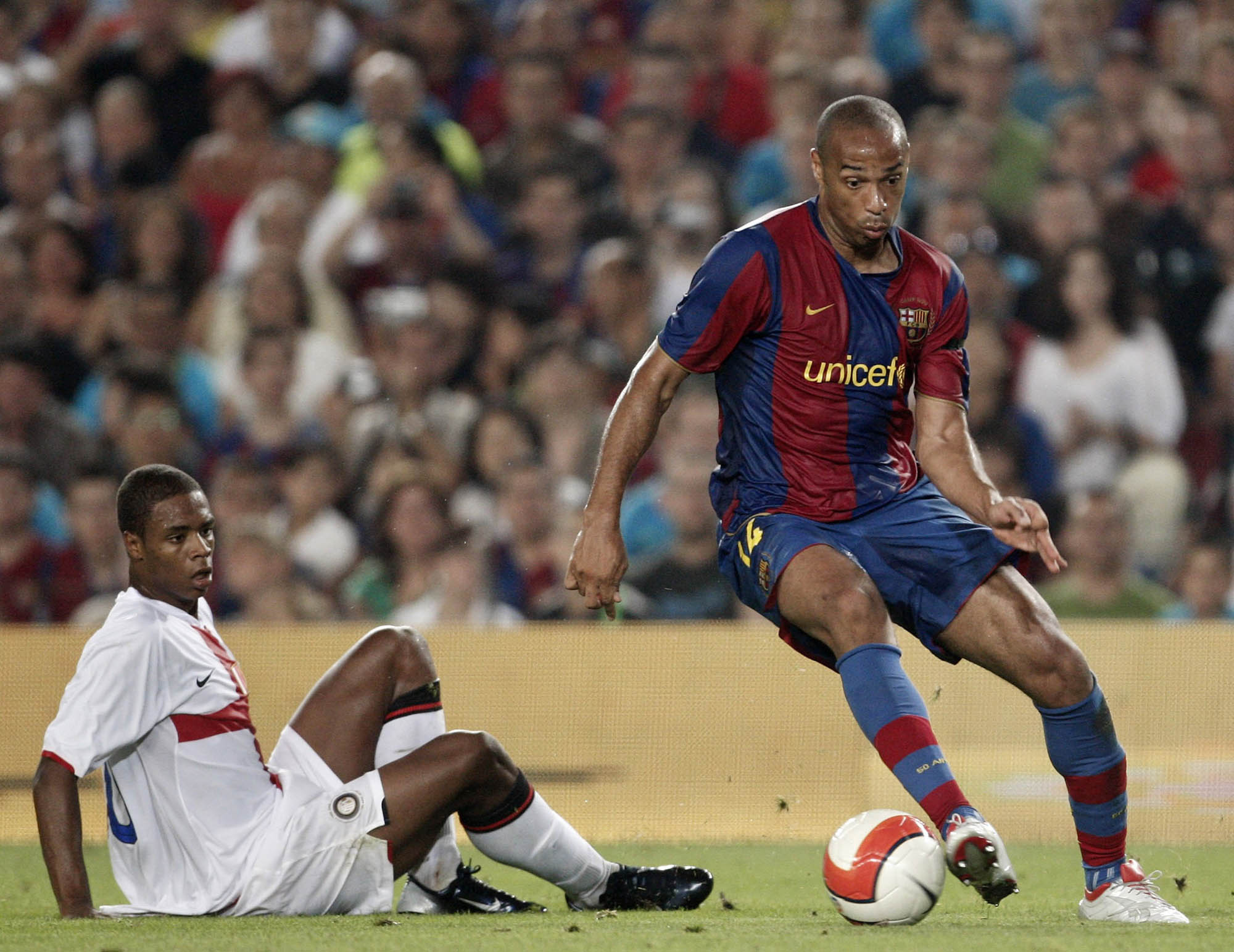 583941646 Thierry Henry leaves Pele (not that one) for dead during the Gamper Trophy  match between Barcelona and Inter Milan at the Nou Camp Stadium on August  29
