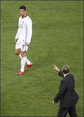 Ronaldo_sulk_280x39_813406a.jpg