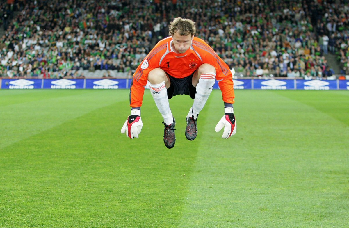Mad Jens Lehmann strikes again and now hes stealing shoes