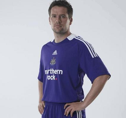 newcastle away kit.jpg