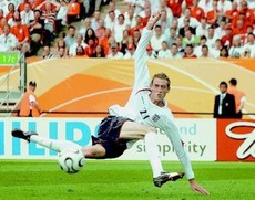 peter_crouch_original_image_funny_picture_imagelarge.jpg