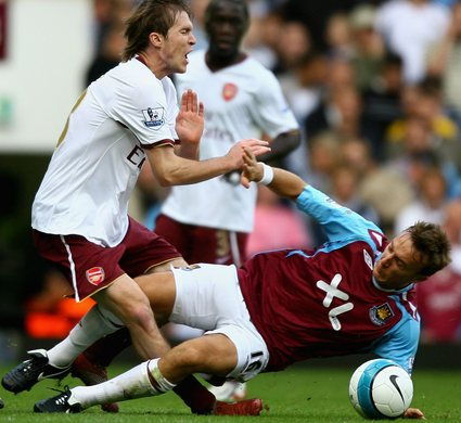 west%20ham%20arsenal%20noble%20hleb.jpg