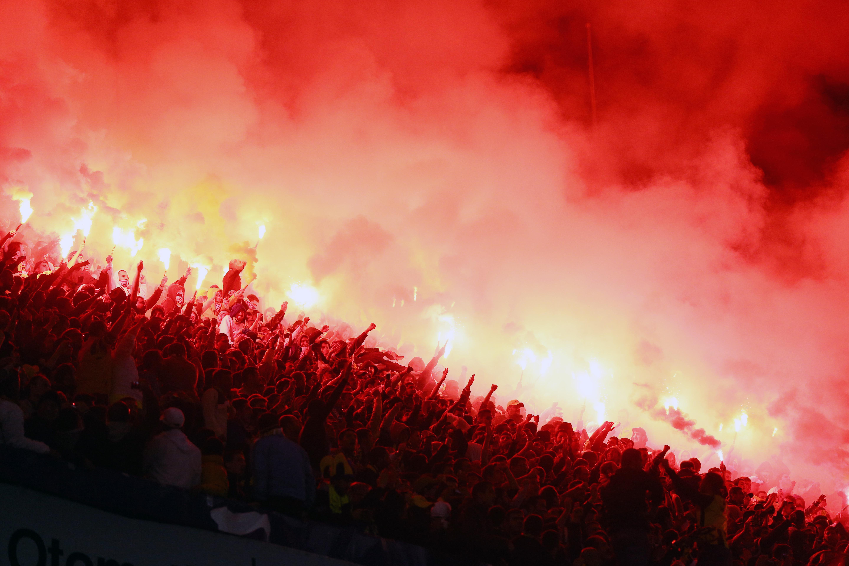 Top 10 Photos Europa League 8 Nov 2012 Super Cavani