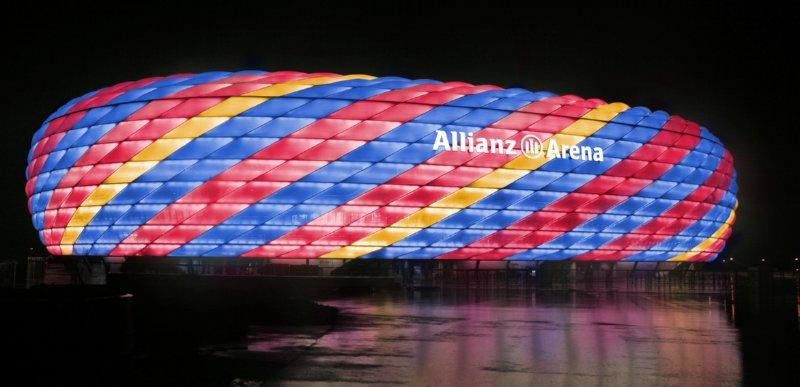 allianz-arena-barcelona-colours