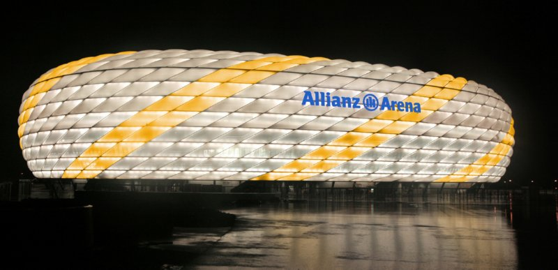 allianz-arena-real-madrid-colours