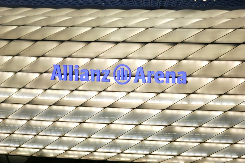 allianz-arena-white-lightning-real-madrid-colours-1