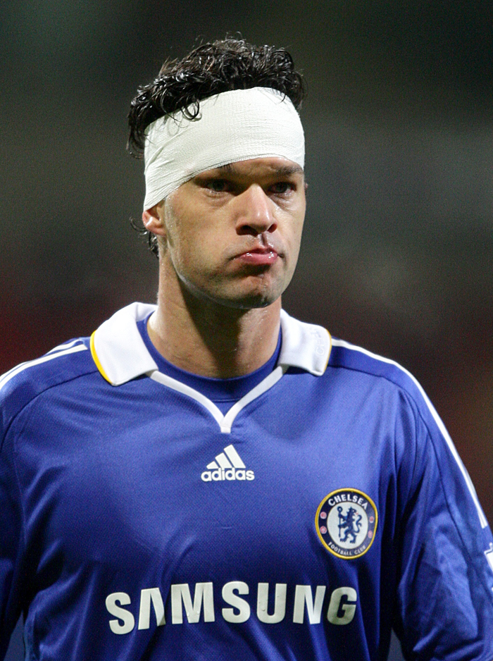 pa-photos_t_footballers-bandaged-heads-pictures-pies-2109l