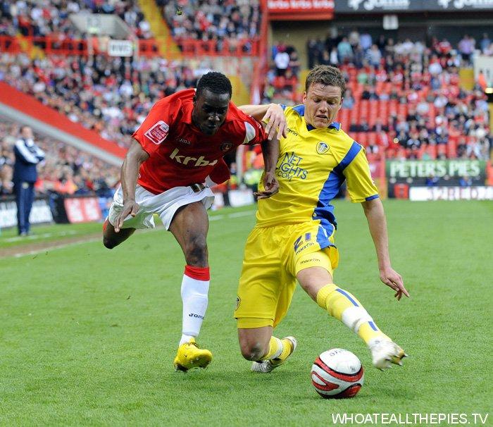 pa-photos_t_charlton-leeds-united-league-one-sodje-0205c