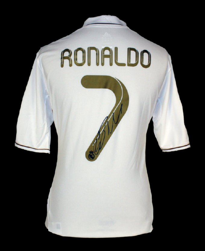 cristiano_ronaldo_signed_real_madrid_2012_shirt_big