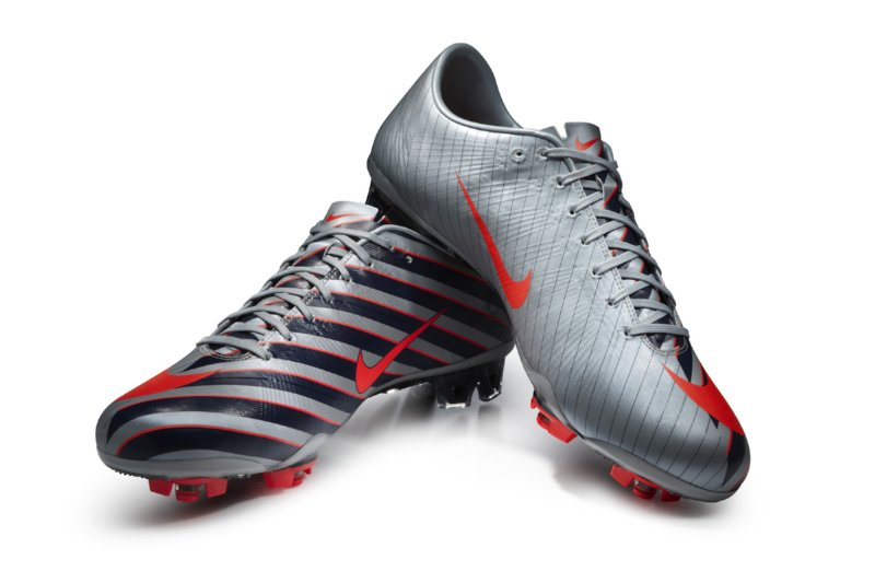 newest a074d 2a421 CR Mercurial Vapor Superfly III: Nike Launch Cristiano ...