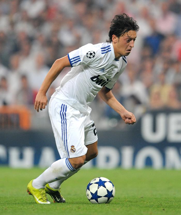 9ee6c5ebe pa-photos t real-madrid-ajax-mourinho-higuain-champions-league-photos-1609h