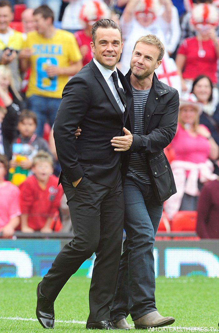 pa-photos_t_soccer-aid-charity-match-old-trafford-photos-0706a