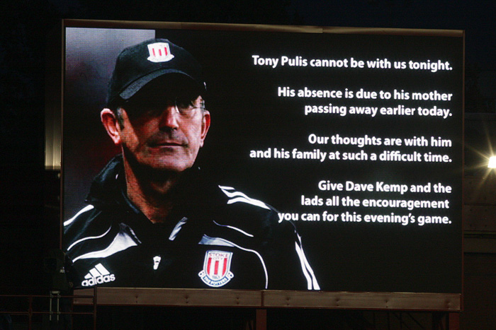pa-photos_t_stoke-city-aston-villa-pulis-mother-photos-1409b