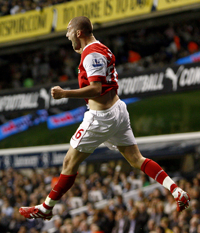 pa-photos_t_tottenham-arsenal-carling-cup-photos-2209b