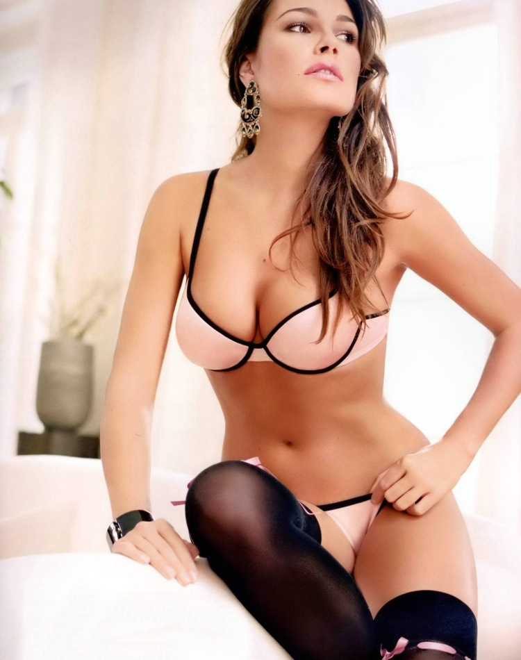 The Football Wag Inde No Alena Seredova Who Ate All Pies