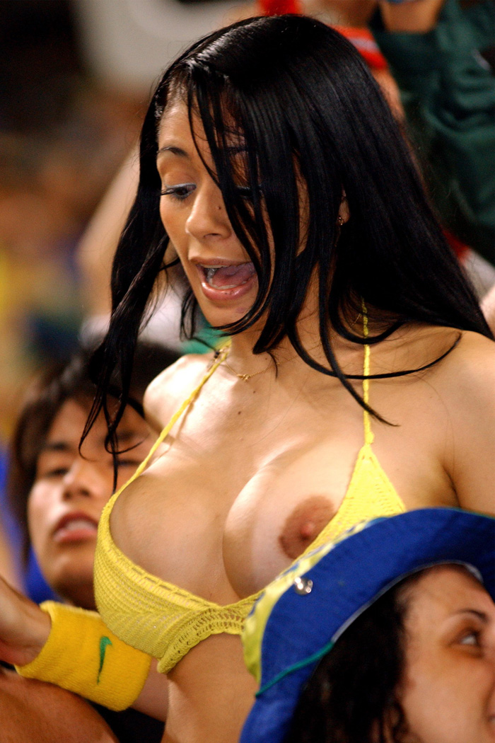 pa-photos_t_hot-female-world-cup-fans-photos-2705ac.jpg