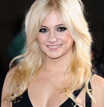 Celeb Balls: Pixie Lott supports West Ham United