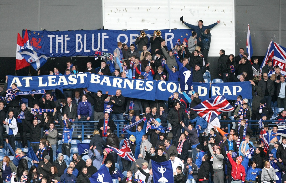 Snapshot Rangers Fans Taunt Celtic Boss Tony Mowbray With