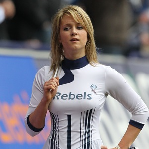 Bolton Wanderers Cheerleaders Look Reet Classy… From The Waist Up