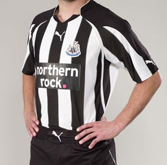 New Newcastle United 2010-11 Home Kit Is Horrible (With Photos)