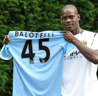 FIRST PHOTOS &#8211; Mario Balotelli At Man City