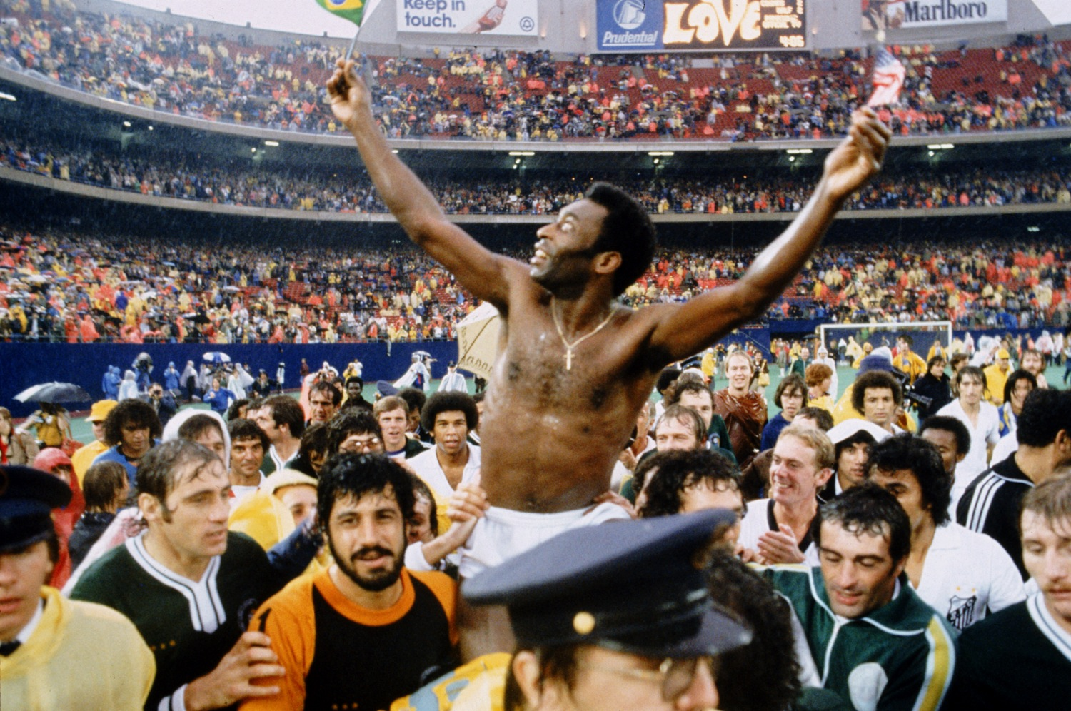 ... 15 Brilliant Photos Of The New York Cosmos, Starring Pele And Cruyff