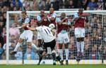 West Ham United v Tottenham - Van der Vaart free-kick