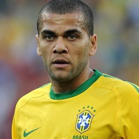 Sell Dani Alves To Manchester City &#8211; Johan Cruyff