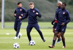 Soccer - UEFA Champions League - Group H - Arsenal v Shakhtar Donetsk - Arsenal Training - London Colney