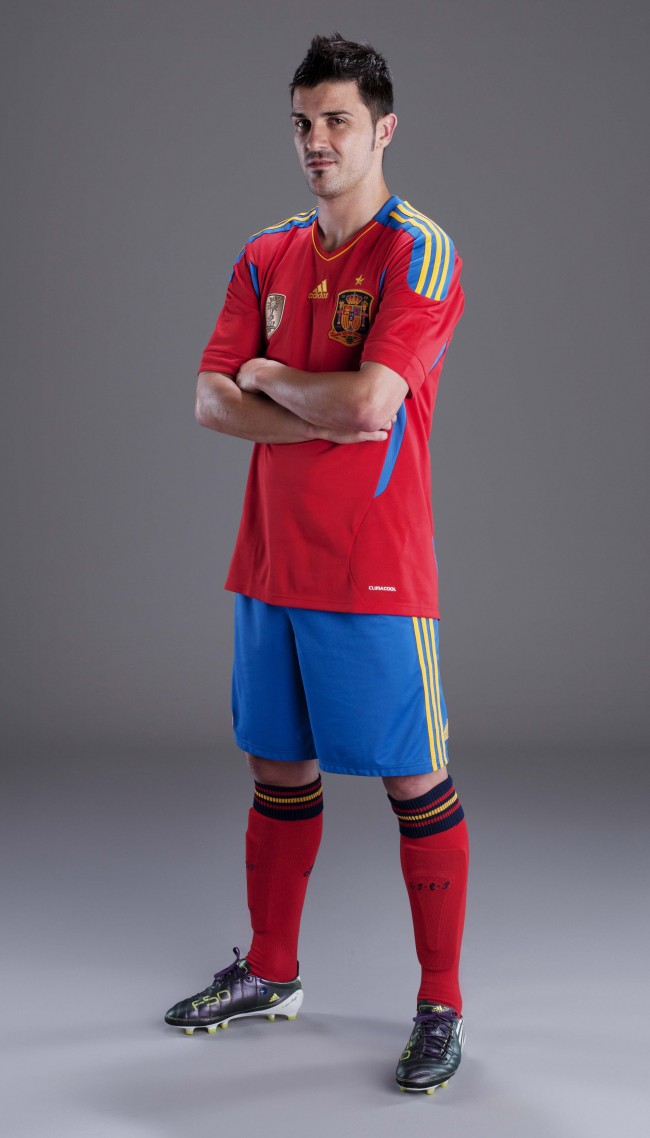 apuntalar autor Dentro  Adidas Reveal New Spain Home Kit (With Gross Video) | Who Ate all the Pies