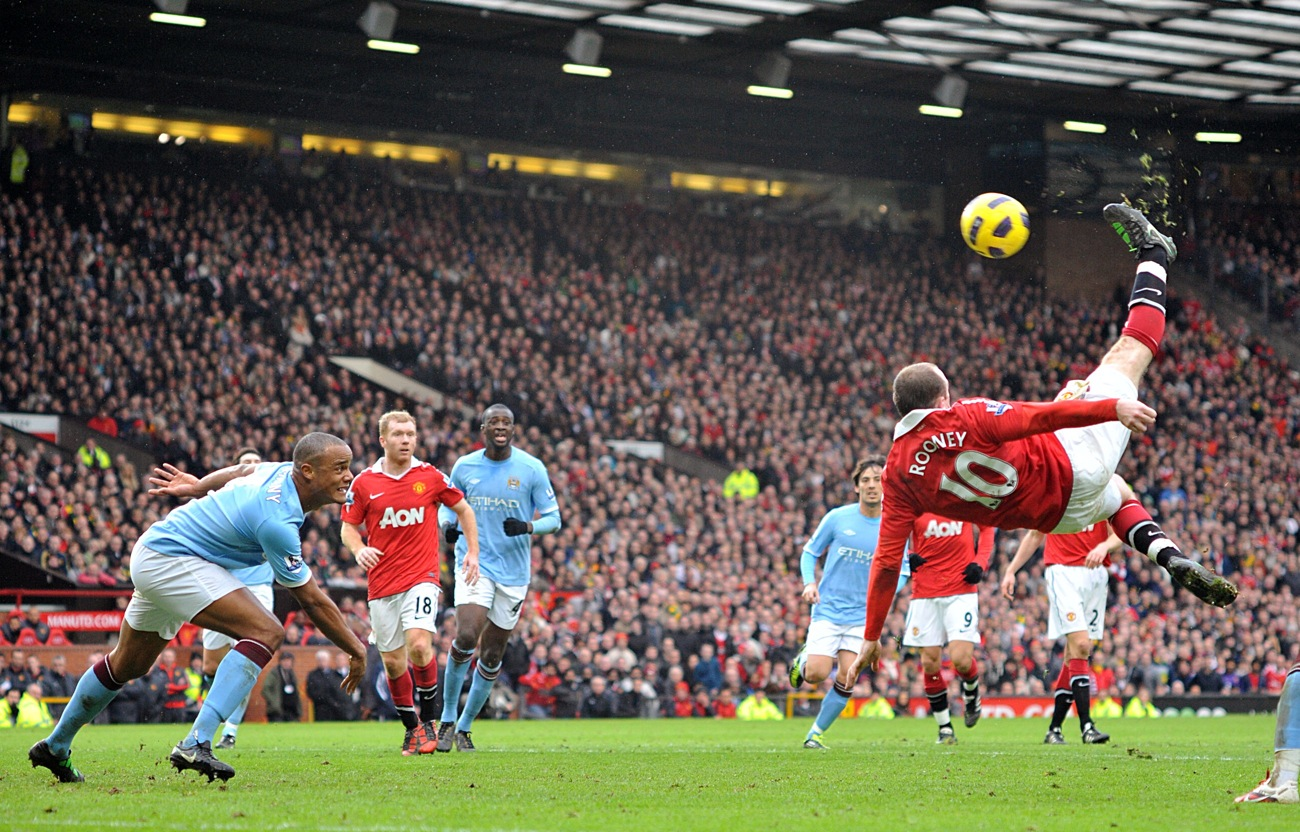 Wayne Rooney Overhead Kick Vs Manchester City Wayne Rooney Scores Astounding Overhead Kick To Win Manchester Derby