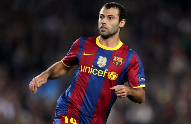The 33-year old son of father (?) and mother(?), 173 cm tall Javier Mascherano in 2018 photo