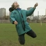 Retro Football: Stephen Fry & Hugh Laurie's Diving Tutorial (Video)