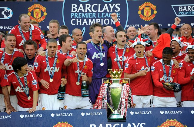 Snapshot Man Utd Officially Presented With Premier League Trophy At Old Trafford