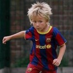 Seven-Year Old English Urchin Kai Fifield Earns Barcelona Trial After Holiday Kickabout (Video)