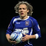 Jimmy Bullard Decides Free-Kick Duties With 'Rock, Paper, Scissors' (Video)