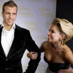 Rafael & Sylvie Van Der Vaart Meet Their New, Ever-So-Slightly Creepy Waxworks (Photos)