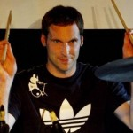 Petr Cech Drums His Way Through Coldplay Classic &#8216;Yellow&#8217; (Video)