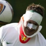 Kris Commons Pranks Reporters At Celtic Training, Arrives In Bandages And Neck Brace After 'Furious Bust-Up'