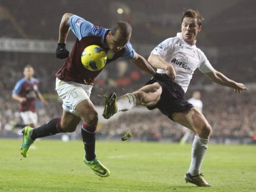 Soccer - Barclays Premier League - Tottenham Hotspur v Aston Villa - White Hart Lane