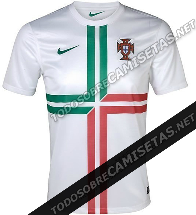 7b19fc686c Not sure about the huge  cuffs armbands  on the Brazil shirts or the faint  sash on the US top