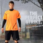 Nike T90 Viral: Klaas-Jan Huntelaar Returns To Boyhood Club, Demonstrates His 'Perfect Strike' (Video & Photos)