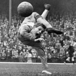 20 Beautiful Vintage Photos Of Goalkeepers In Flight