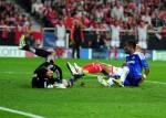 Soccer - UEFA Champions League - Quarter Final - First Leg - Benfica v Chelsea - Estadio da Luz