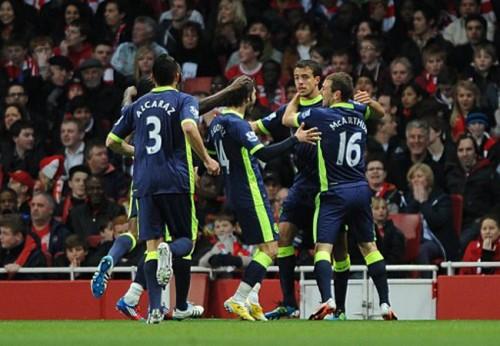 Soccer - Barclays Premier League - Arsenal v Wigan Athletic - Emirates Stadium