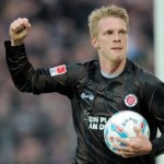 St Pauli's Marius Ebber Scores With Hand, Politely Asks Referee To Disallow It (Video)