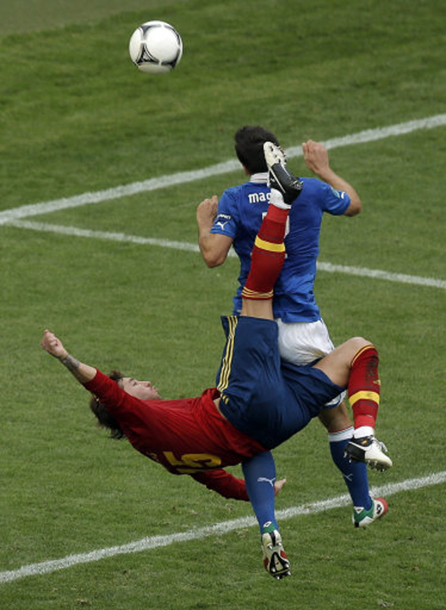 the gallery for gt pele soccer player bicycle kick