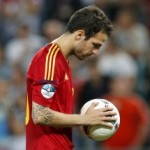 Euro 2012: Fabregas Whispers To Ball Before Winning Penalty, Tells It To 'Make History' (Video & GIFs)