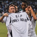 Robbie Keane Holds 'RIP James Nolan' Shirt Aloft, Tribute To Ireland Fan Found Dead At Euro 2012 (Video)