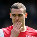 Arsenal's Thomas Vermaelen Gets Intimate With Assistant Referee Sian Massey (Video)